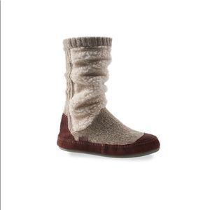 Acorn Slouch Boot Slipper Sock